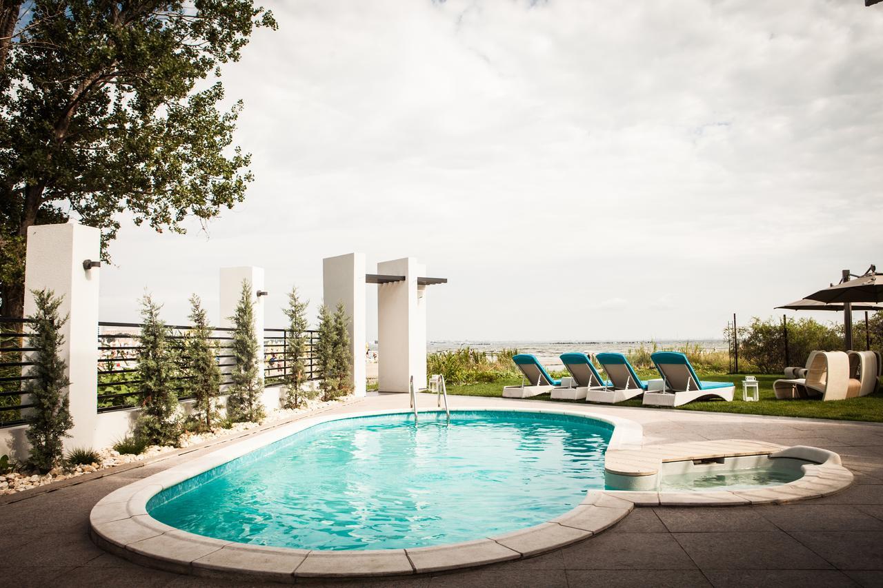 El Locanda pool